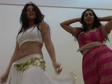 Hot Bhangra Dance by Pia and Zainab